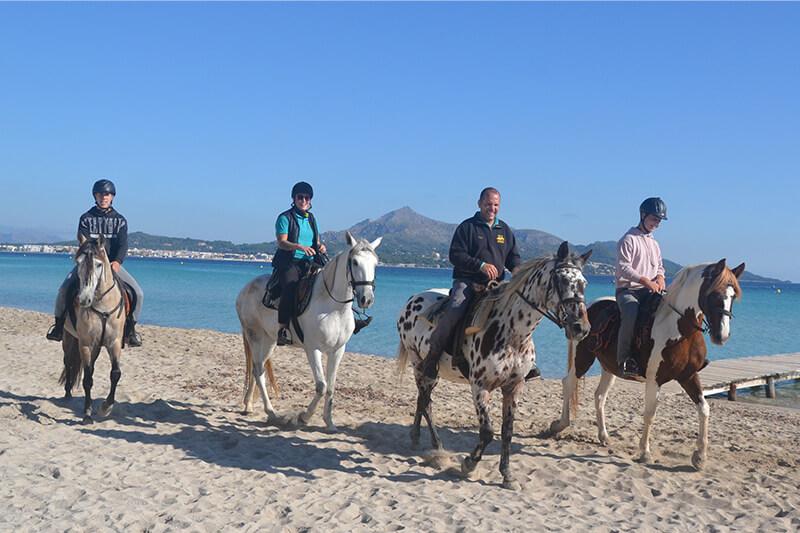 montar a caballo playa alcudia